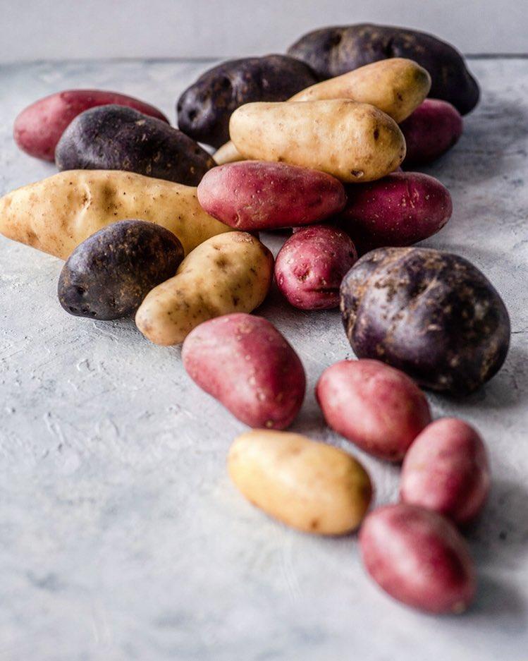 πολύχρωμες πατάτες
