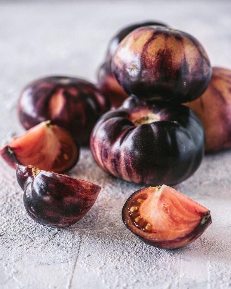 τομάτα μαύτη, kumato, black tomato